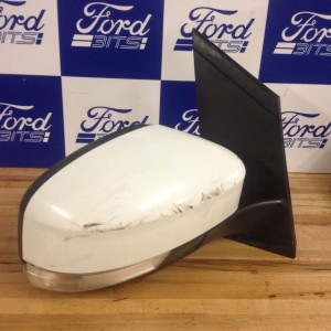2010-FORD-FOCUS-DRIVERS-SIDE-HEADLIGHT-WITH-INDICATOR-FROZEN-WHITE-LIGHT-MARKS-271576352348