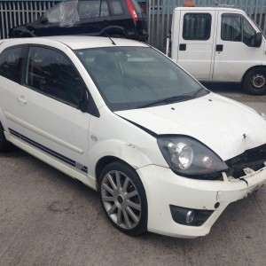 BREAKING-FOR-SPARES-ONLY-2007-FORD-FIESTA-20-ST-IN-DIAMOND-WHITE-PARTS-ONLY-271643793990