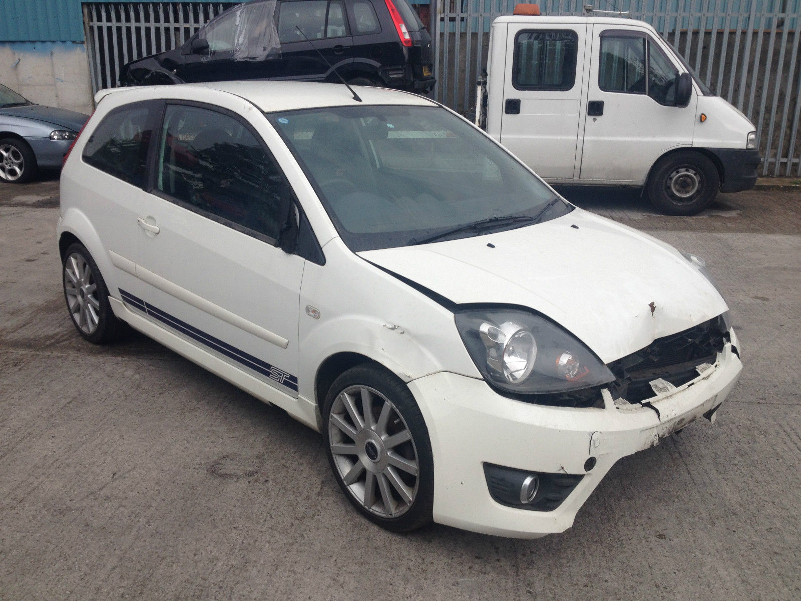 breaking for spares only 2007 ford fiesta 2 0 st in diamond white parts only ford bits. Black Bedroom Furniture Sets. Home Design Ideas