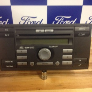 FORD-6006-6-DISK-CD-PLAYER-USED-ITEM-WORKING-WITH-CODE-271609943638