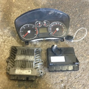 FORD-FIESTA-14-TDCI-ECU-SET-COMPLETE-WITH-LOCKS-IN-FULL-WORKING-ORDER-281481070158