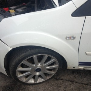 FORD-FIESTA-PASSANGES-SIDE-WING-USED-COMPLETE-UNDAMAGED-DIAMOND-WHITE-CLEAN-WING-281455674074