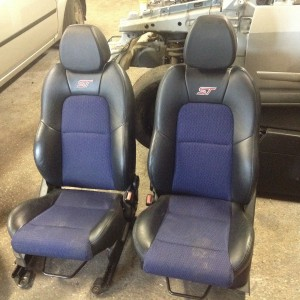 FORD-FIESTA-ST-HALF-LEATHER-BLUE-SEATS-FRONT-AND-REAR-USED-UNDAMAGED-3DOOR-301283433818