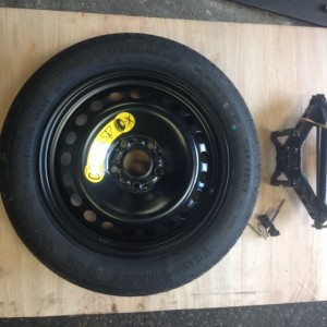 FORD-FOCUS-C-MAX-SPARE-WHEEL-AND-TOOLS-INCL-JACK-BRACE-AND-TOWING-EYE-281493478973